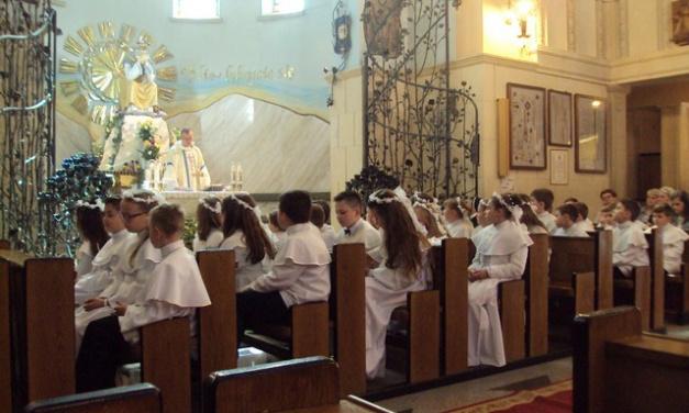 Pielgrzymka dzieci pierwszokomunijnych do Dębowca